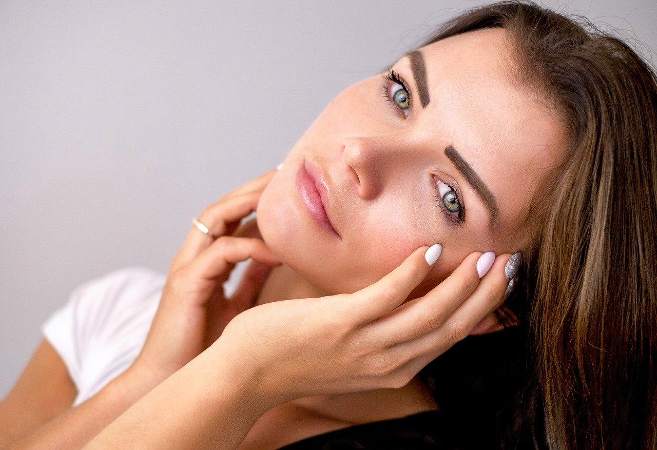 【花粉対策】髪の毛に付く花粉でかゆい!パサパサ髪の静電気が影響?シャンプー&トリートメント