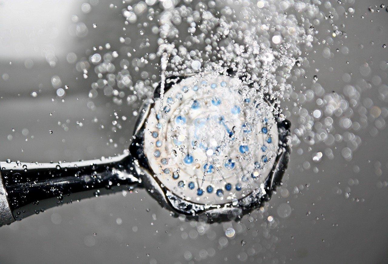 リファシャワーヘッドの効果や口コミは?【ReFaファインバブルs】の特徴まとめ|節水効果で家計にも優しい!