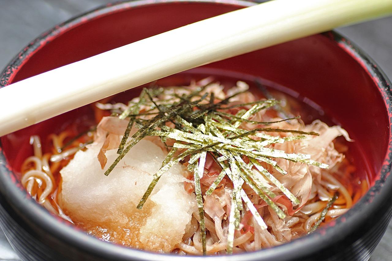 【年越しそばを英語で説明】大晦日にソバを食べるのは何故?日本にいても知らないことばかり!